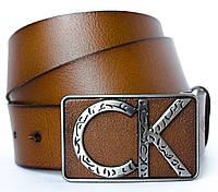 Стильный мужской кожаный ремень в коричневом цвете Calvin Klein с элегантной пряжкой(11257)