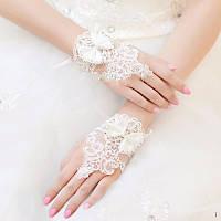 Свадебные короткие кружевные перчатки без пальцев (митенки) с бантиком