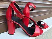 Кожаные женские босоножки Olimpia на каблуке красные