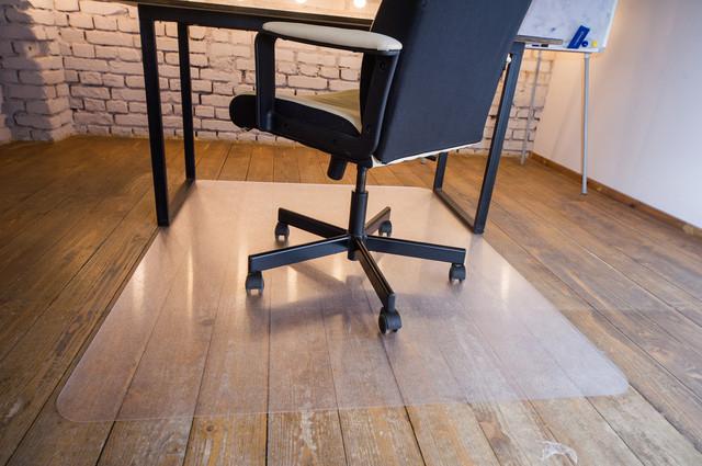 Защитные коврики под стулья