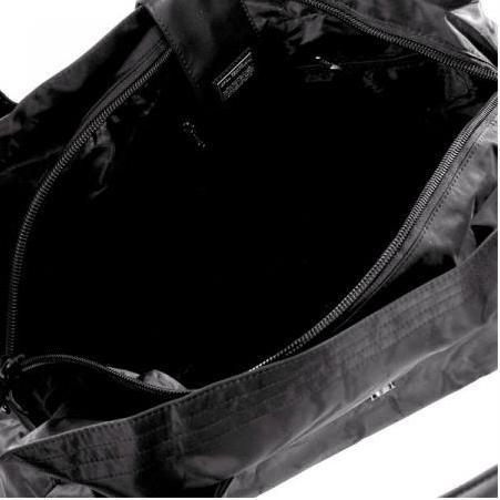 e3555fc75fba В дорожной сумке самое важное – это размер, конструкция и материал.  Габариты сумки стоит выбирать с учетом характера Ваших поездок, к примеру,  для частых, ...