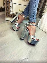 Босоножки на высоком каблуке Серебро