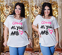 Женская стильная футболка с надписями 3253 / батал / белая
