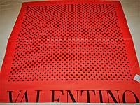 Платок Valentino шёлковый можно приобрести на выставках в доме одежды Киев