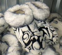 Женские теплые комнатные чуни из овчины