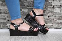 Оригинальные модные босоножки на платформе с цепочкой,черные