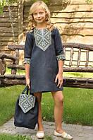 Детское короткое вышитое платье синее