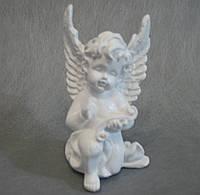 Ангелочек  с папирусом белый