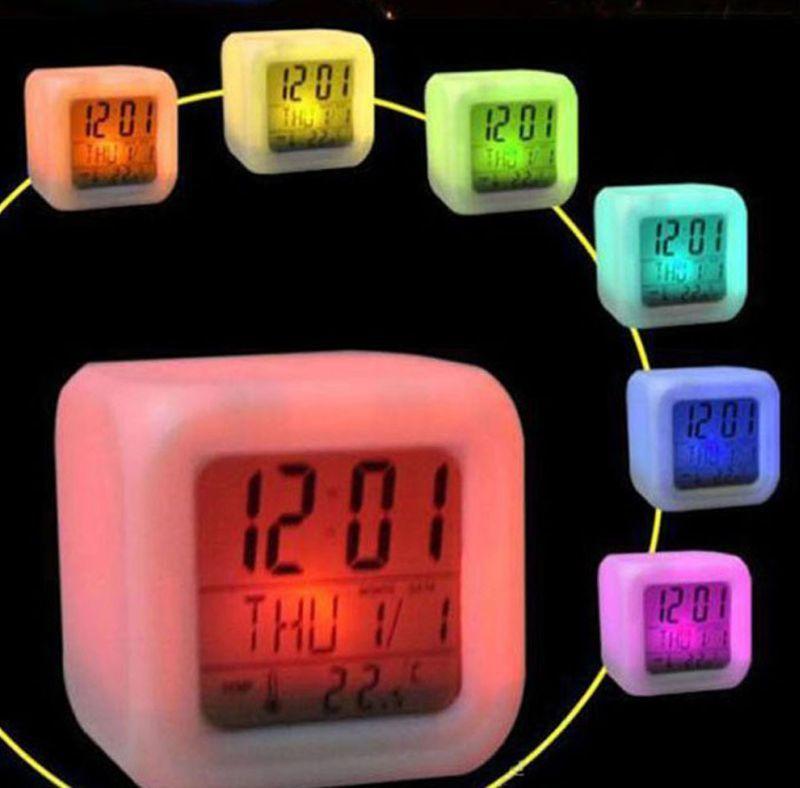 Часы будильник с термометром, ночник, хамелеон
