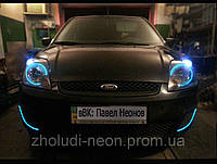 Ангельские глазки Ford Fiesta с холодного неона.