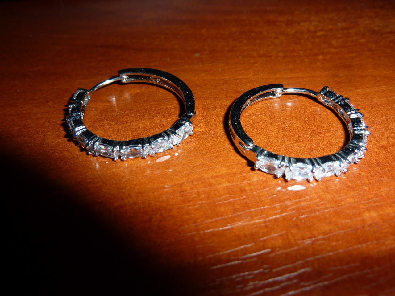 Серьги-кольца с цирконами - Интернет-магазин *Изумруд* в Херсоне