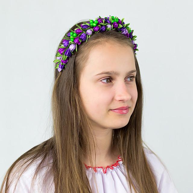 Веночек для волос с цветными подснежниками