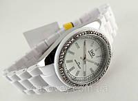Часы женские Q@Q  кристаллы, цвет серебро, браслет керамопластик, водозащита, IPG, GQ13J201Y