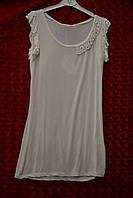 Белая женская футболка с камнями Сваровски