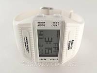 Летний стиль от Alberto Kavalli цвет белый, таймер, будильник, секундомер.
