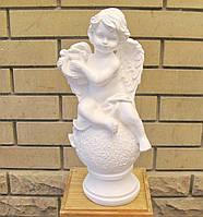 Ангел с лирой на шаре 35*15 белый