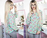 Романтичная блузка свободного кроя, в мелкий цветочный принт.