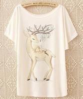 Свободная летняя белая футболка с оленем