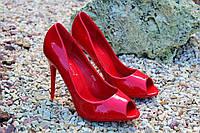Стильные женские туфельки с открытым носком