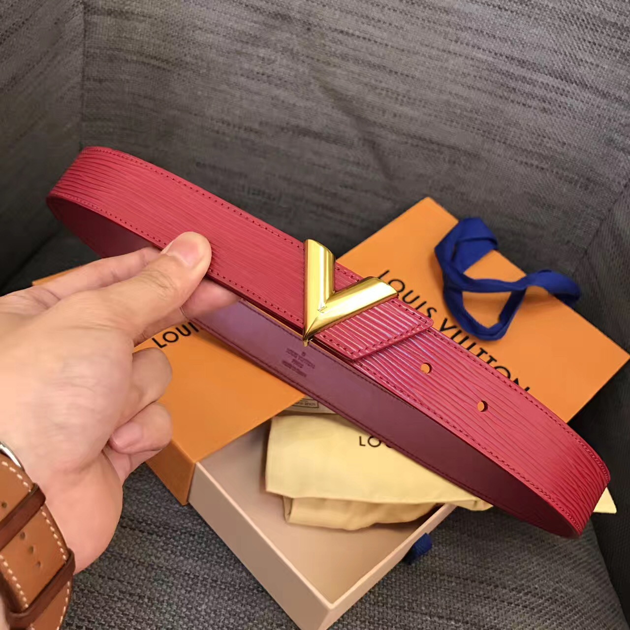 Женский ремень Louis Vuitton