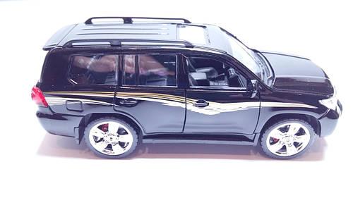 Машинка коллекционная 1:24 Toyota Land Cruiser 200 Черная