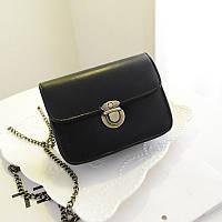 Женская сумочка через плечо на цепочке черная