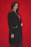Чёрное женское пальто с камнями
