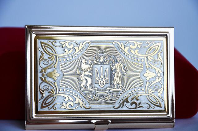 визитница с гербом Украины