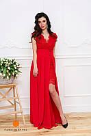 Красное женское платье в пол с кружевом