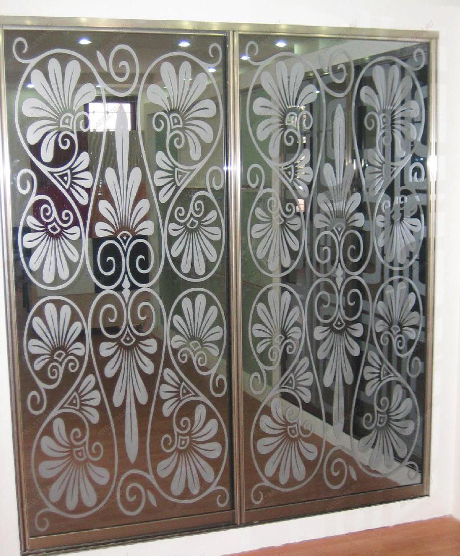 Двери купе з наполнением зеркало художественное матирование