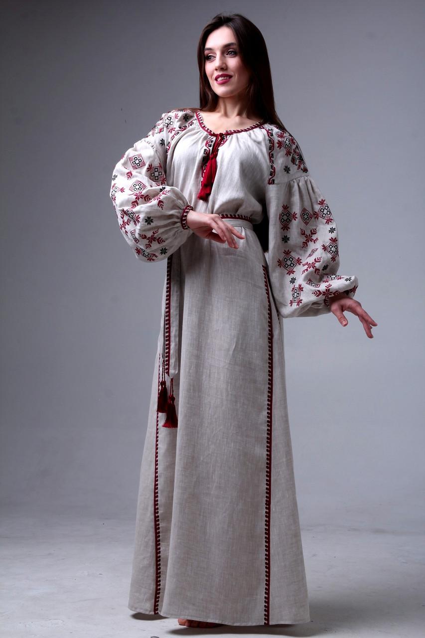 Платье с вышивкой длинное