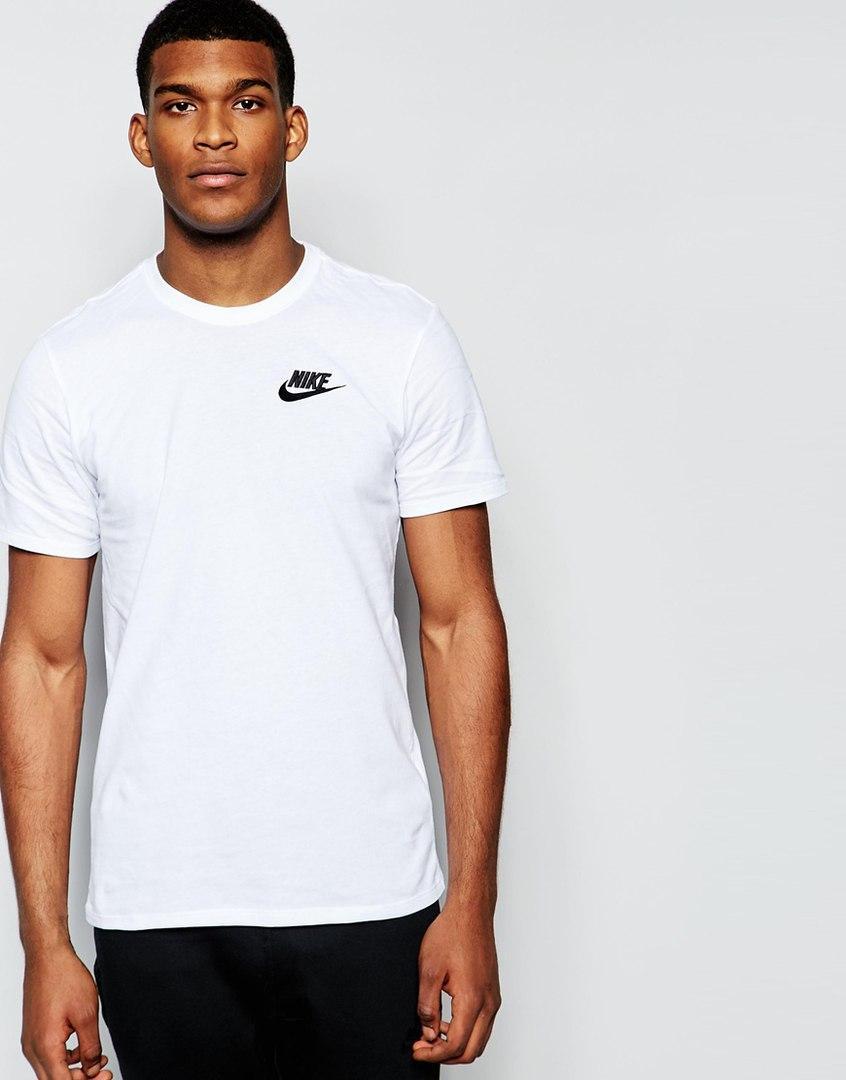 Мужская Футболка Nike белого цвета с маленьким логотипом