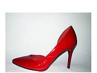 Туфли лодочки на шпильке красного цвета