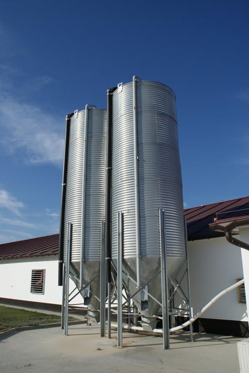 Бункер для кормов 25 т, 36 м3