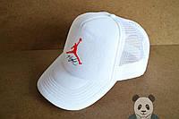 Светлая кепка джордан Jordan