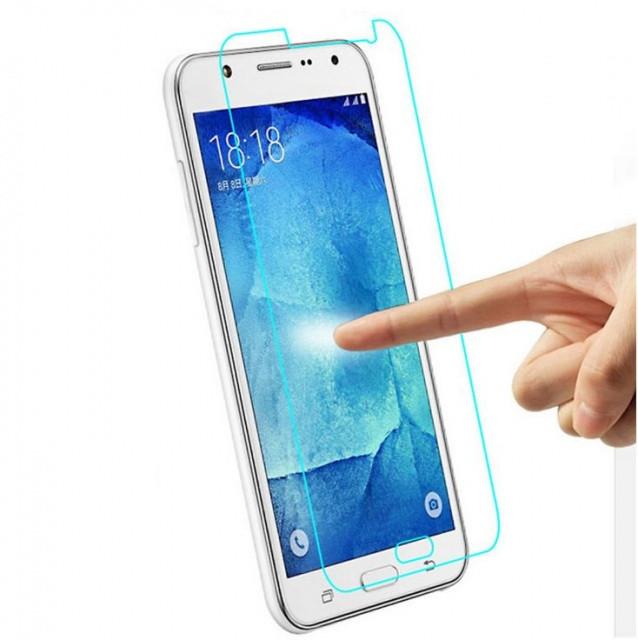 Защитное стекло на Samsung J5 (2016)
