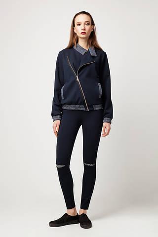 Куртка-бомбер темно-синего цвета с косой застежкой на молнии