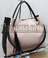 Оригинальная женская сумка  из экокожи 2 в 1 цвет пудра с чёрными вставками и украшением-подвеской