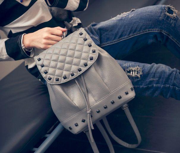 Маленький женский серый рюкзак