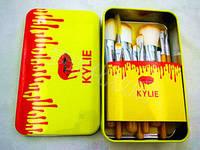 Набор кистей для макияжа KYLIE Professional Brash Set в металлическом кейсе (желтый, 12шт.)