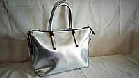 Женская кожаная сумка Furla серебристого цвета