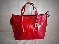 Женская кожаная сумка Furla красного цвета