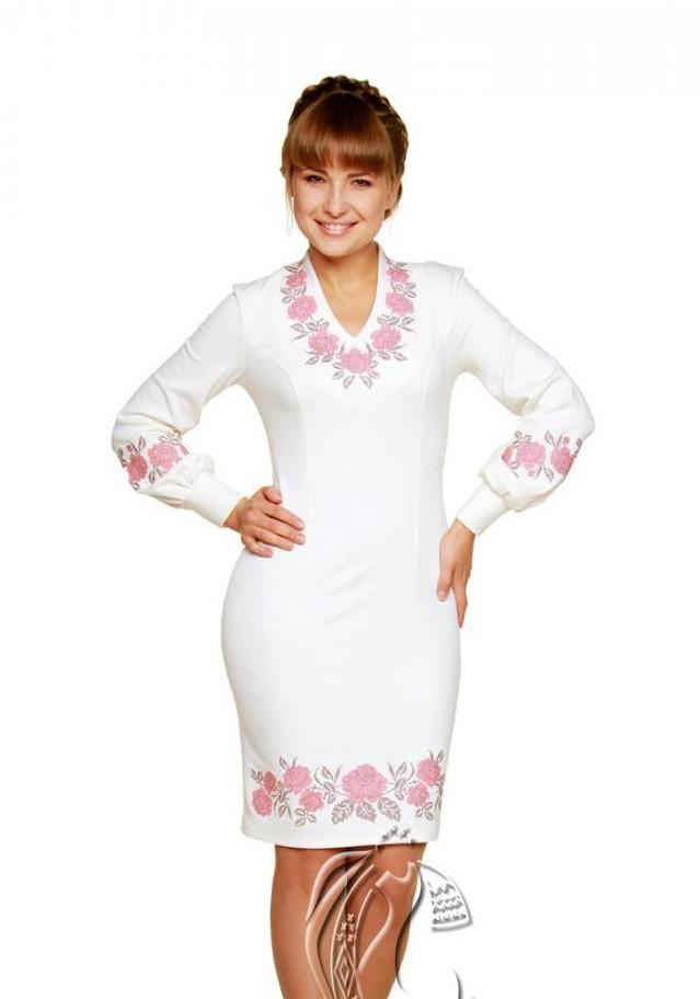 Вышитое платье Намисто