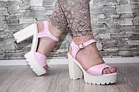 Женские босоножки цвет розовый на тракторной подошве и каблуке, 38 40р.