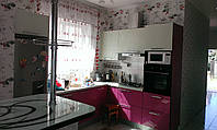 Кухонный гарнитур EGGER (малиновый с белым)