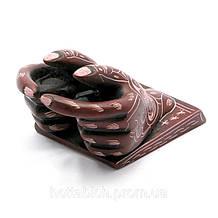Підставка під візитки настільна Руки