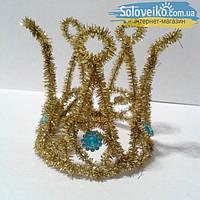 Корона из золотого дождика со стразами