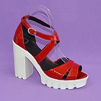 Босоножки женские лаковые красного цвета на высоком каблуке