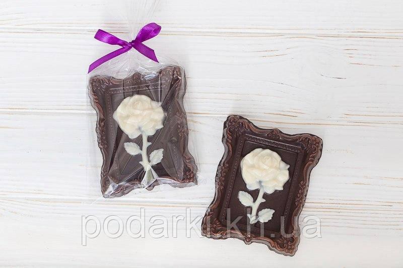 Шоколадная картина с розой для девушки