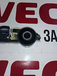 Втулка пластиковая заднего амортизатора верхняя Добло